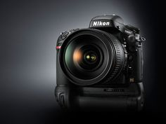 Nikon MB-D12 pystykuvauskahva D800 / D810 (akkukahva)-Nikon