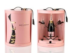 Moet & Chandon Rose Champagne Unfurl the Tie Coffret Tie Stand & 2 Stemmed Champagne Flutes Perfume Packaging, Luxury Packaging, Bottle Packaging, Jewelry Packaging, Champagne Brands, Champagne Flutes, Rose Champagne, Etiquette Champagne, Champagne Gift Baskets