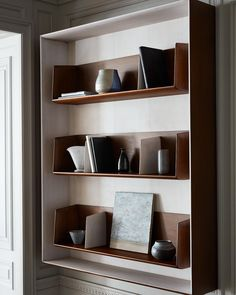 Home Interior Wood .Home Interior Wood Shelving Design, Bookshelf Design, Bookcase Shelves, Display Shelves, Bookcases, Home Interior, Interior Architecture, Interior Decorating, Interior Design
