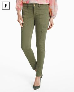 Utilitarian details like cargo pockets and exposed zippers add an of-the-moment military feel to our latest skimmer jeans. Stand to attention with the close-to-the-body fit in the season's most-requested military green hue. Wear with everything from cold-shoulder blouses to delicate lace overlay tops to create a soft-meets-structured contrast. WHBM | Petites Fashion