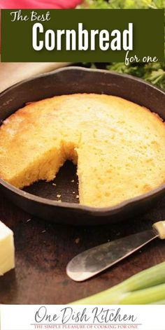 This classic buttery and sweet Cornbread Recipe For One can be made in a small cast iron skillet or mini baking dish. Included is a step-by-step video on how to make this cornbread recipe. Its the perfect size if youre cooking for one. Kitchen Dishes, Food Dishes, Side Dishes, Mini Kitchen, Kitchen Small, Kitchen Recipes, Main Dishes, Easy Cornbread Recipe, Kitchens