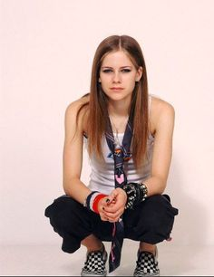 Dickies t-shirt - ph010 - AvrilPix Gallery - The best image, picture and photo gallery about Avril Lavigne - AvrilSpain.Com *Avril Lavigne - all for beauty ->>> | http://fas.st/1m_YV7
