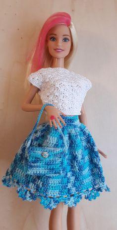 Puppenkleidung - Barbie Rock und Tasche (gehäkelt), hellblau - ein Designerstück von Anna-Tim bei DaWanda