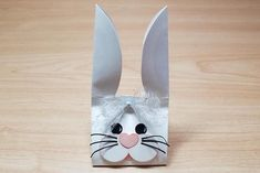 Bunny Carton Tutorial - Splitcoaststampers Split Coast Stampers, Chalk Markers, Diy Easter Decorations, Crochet Bunny, Small Heart, Easter Baskets, Easter Crafts, Easter Bunny, 3 D