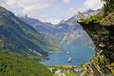 Norway....did the tour bus really make         it up the curves of the Fjords?