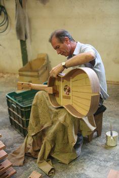 Guitar makers 012