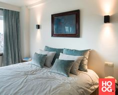 slaapkamer met kunst aan muur slaapkamer ideen bedroom ideas master bedroom hoogdesign