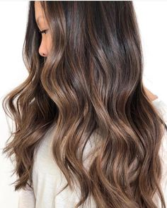 Long Wavy Ash-Brown Balayage - 20 Light Brown Hair Color Ideas for Your New Look - The Trending Hairstyle Brown Hair Balayage, Brown Hair With Highlights, Brown Blonde Hair, Asian Balayage, Brunette Highlights Lowlights, Subtle Balayage Brunette, Chocolate Highlights, Dark Balayage, Dark Brunette Hair