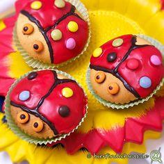 Rezept für einfache Cupcakes – Marienkäfer