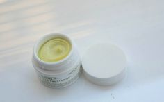 I have wanted to try the famous Kiehls Creamy Eye Treatment with Avocado for a long time, but...