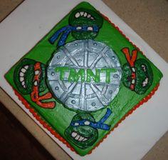 teenage mutant ninja turtle cake - LIKE SEWER LIDPATTERN