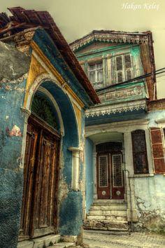 Manisa, Kula homes 2 by Hakan Keleş.