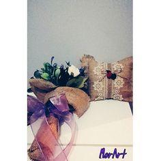 Takı yastığı  ve gelin  çiçeği  çok  severek  yapmıştım. 💜 düğün  sezonu  açılıyor  artık😊👰istek  üzerine  satışı  yapılacaktır. #weddingday #flowers #karakalem #karalama #artbookstagram #art🎨#sketchbook #MorArt #çiziktir