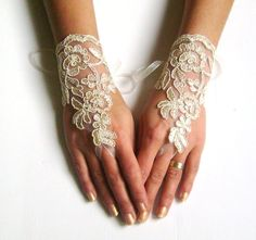 Champagne Wedding gloves bridal gloves  fingerless by GlovesShop,