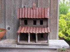 Barnwood Birdhouse  / thewoolcupboard.blogspot.com