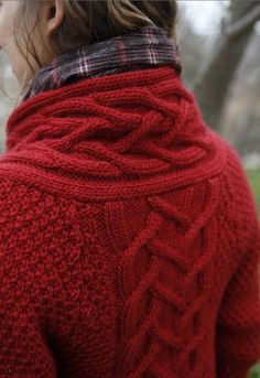 is this cable knit? i love cable knit! - That Inspirational Girl Red Sweaters, Cable Knit Sweaters, Cardigans, Chunky Sweaters, Winter Sweaters, Mode Style, Style Me, Textiles Y Moda, Cozy Fashion
