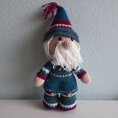 """Petra Schoemaker op Instagram: """"Funny Gnoomy winterset mr. Eindelijk samen. Voor meer fotos of informatie kijk bij mijn gehaakte werkjes op mijn website. Link in mijn…"""" Petra, Winter Hats, Crochet Hats, Website, Link, Funny, Instagram, Seeds, Knitting Hats"""