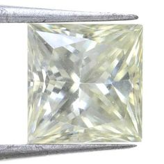 Stunning Light Yellow Color Princess Shape 1.57 Carat Diffrent Loose Moissanite