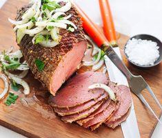 Tjälknöl på älg är ett mästerligt recept som garanterat blir succé på middagsbjudningen. Servera gärna med risotto och fräst svamp och en blandad sallad. Swedish Recipes, Man Food, Tuna, Risotto, Food And Drink, Beef, Fish, Cooking, God
