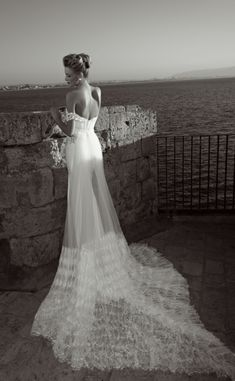 Gorgous! | Dress by Zoog Bridal | fashiondivadesign.com