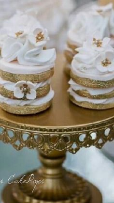 Gold and white Christmas Tea, Christmas Morning, Christmas Holidays, Vanilla Icing, Shimmer Lights, South Asian Wedding, Cecile, Glitter Stars, The Chic