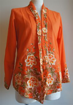 Bell Sleeves, Bell Sleeve Top, Kebaya, Shawl, Ethnic, Textiles, Asian, Fashion Outfits, Embroidery