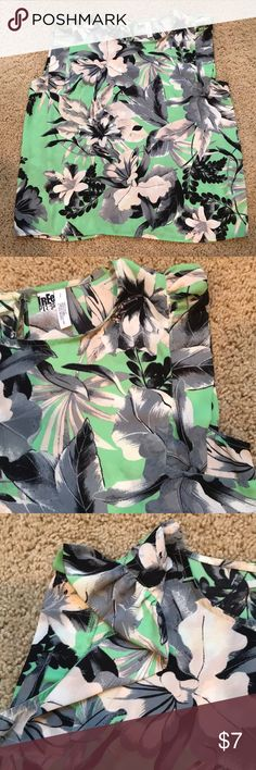 30551477a7193 Floral tank Cute ruffle shoulder. Gorgeous print Tops Tank Tops