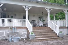 I've always loved big porches Big Porch, Country Porch, Outdoor Living, House Exterior, Farm House Colors, Porch And Balcony, Porch Veranda, Farmhouse Color Scheme, Diy Porch