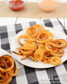 Get the delicious taste of curly fries, just like Arby's without all the fat by cooking these up in your oven!