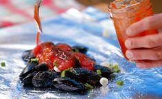 En manque d'inspiration pour ton prochain BBQ? Tanné de manger des hot-dogs au ketchup et pain brûlé? Tasse-toé mononcle! Bob le Chef te propose des recettes simples et originales qui ajouteront de la saveur dans ton été.