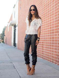 COMPARTE MI MODA: La moda femenina desde el punto de vista de las usuarias...: Pantalones de piel holgados...