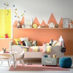Une chambre d'enfant à la déco colorée et douce pour rêver d'animaux et…