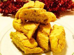 Oemotståndligt goda och knapriga skorpor med saffran och mandel. Saffransskorpor är en favorit i juletid och något som jag bakar varje år.