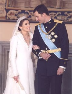 Сегодня муж этой восхитительной шатенки стал королем Испании, и мы не могли найти лучшего повода, чтобы как