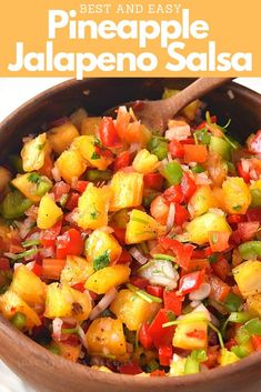 Pineapple Jalapeno Salsa (With Video) Best,easy and refreshing flavors with vibrant colors together to make this Pineapple Jalapeno Salsa! Few ingredients to make this great snacking idea in Summer. Jalapeno Salsa, Habanero Salsa, Spicy Salsa, Guacamole, Clean Eating Snacks, Healthy Eating, Stay Healthy, Best Salsa Recipe, Taco Cabana Salsa Recipe