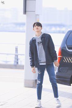 Lucas Nct, Kpop, How Big Is Baby, Airport Style, Winwin, Taeyong, Boyfriend Material, K Idols, Jaehyun