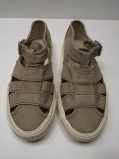 1e210d899a3 Polo Ralph Lauren Women s Skid Resistant Sole Sandals Size 6