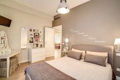 Sfoglia le immagini di Camera da letto in stile in stile Moderno di LA CASA DI AMBRA. Lasciati ispirare dalle nostre immagini per trovare l'idea perfetta per la tua casa.