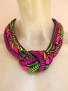 Collier rose chaud / Collier noeud / cire africaine d'impression tissu / noeud Bijoux Collier de cordon /fabric / Hot rose bijoux