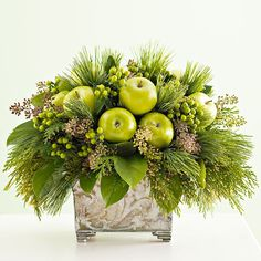 Greenery and Apples - Christmas floral arrangement Christmas Flower Arrangements, Christmas Flowers, Green Christmas, Simple Christmas, Floral Arrangements, Christmas Wreaths, Xmas, Advent Wreaths, Nordic Christmas