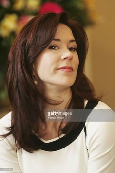 Crown Princess Mary of Denmark attends a press conference at the Hobart Government House March 11, 2005 in Hobart, Australia.