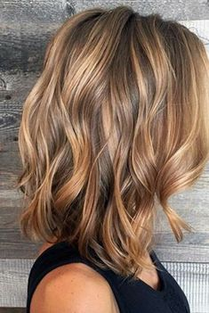 Caramel Balayage Highlights for Brown Hair Curly Bob Hairstyles Balayage brown Caramel hair highlights Brown Hair With Highlights, Hair Color Highlights, Hair Color Balayage, Blonde Color, Brown Balayage, Blonde Ombre, Blonde Honey, Balayage Highlights, Ombre Brown