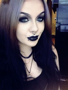 Toxii gothic goddess  ☠☠✯✯666✯✯☠☠ Goth Beauty, Pure Beauty, Beauty Tips, Beauty Hacks, Hair Beauty, Goth Makeup, Dark Makeup, Nu Goth, Grunge