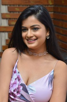 Tollywood Actress Hemal Ingle Hot Cleavage Photos at Husharu Movie Interview. Beautiful Gorgeous, Beautiful People, Beauty Full Girl, Latest Pics, Actress Photos, Indian Beauty, Desi, Interview, Actresses