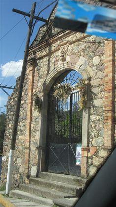 Portón de Iglesia, Mineral de Arriba, Edo Mex.