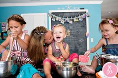love this cute girly shoot, what could be more fun than making cupcakes with your sisters?!