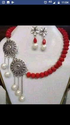 Diy Fabric Jewellery, Fancy Jewellery, Thread Jewellery, Hand Jewelry, Jewelry Crafts, Silk Thread Earrings Designs, Handmade Jewelry Designs, Felt Wallet, Cricket Sport