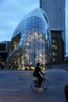 Blob by Fuksas at 18 Septemberplein