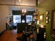 Tattoo studio ideas and more on Pinterest | Tattoo shop Tattoo studio ...