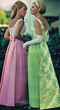 Vintage Prom, Vintage Formal Dresses, Vintage Mode, Vintage Gowns, Vintage Clothing, 1960s Fashion Women, Sixties Fashion, Beautiful Evening Gowns, Evening Dresses